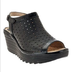 Fly London Yile Perforated Wedge | Size 40